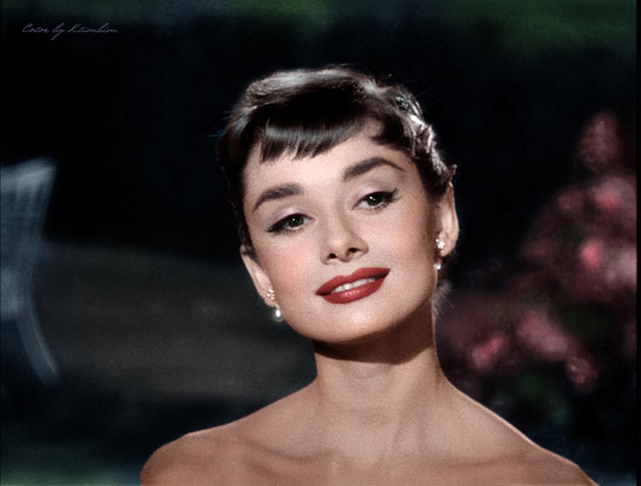 Audrey-Hepburn-image-audrey-hepburn-36336189-900-682