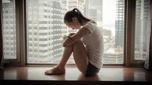 mulher-triste-desanimada-500x281