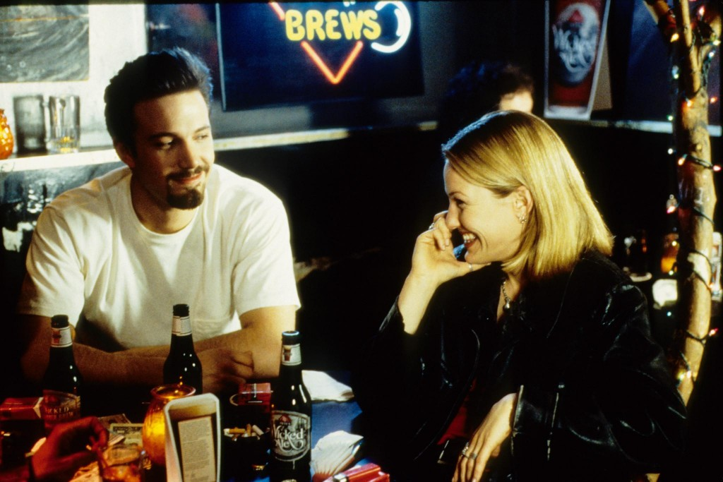 still-of-ben-affleck-and-joey-lauren-adams-in-chasing-amy-(1997)-large-picture