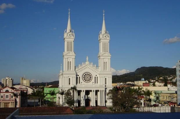 Catedral-de-São-João-Batista-Rio-do-Sul-620x413