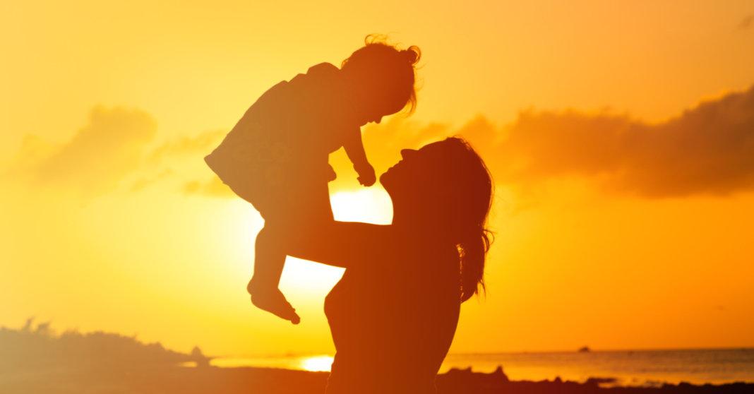 O Incomparável Amor De Uma Mãe: Desconfio Que O Amor De Mãe Seja Uma Amostra Do Amor De Deus