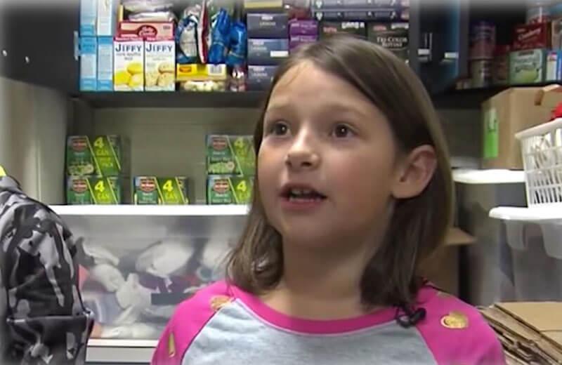 Resultado de imagem para Menina encontra bilhete de lotaria premiado e compra comida para pessoas sem-abrigo